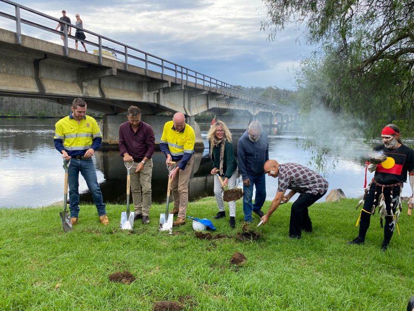 Sod -turning ceremony at Nelligen bridge