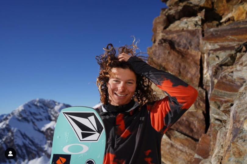 Snowboarder Valentino Guseli