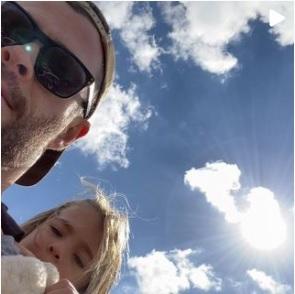 Chris Hemsworth and daughter